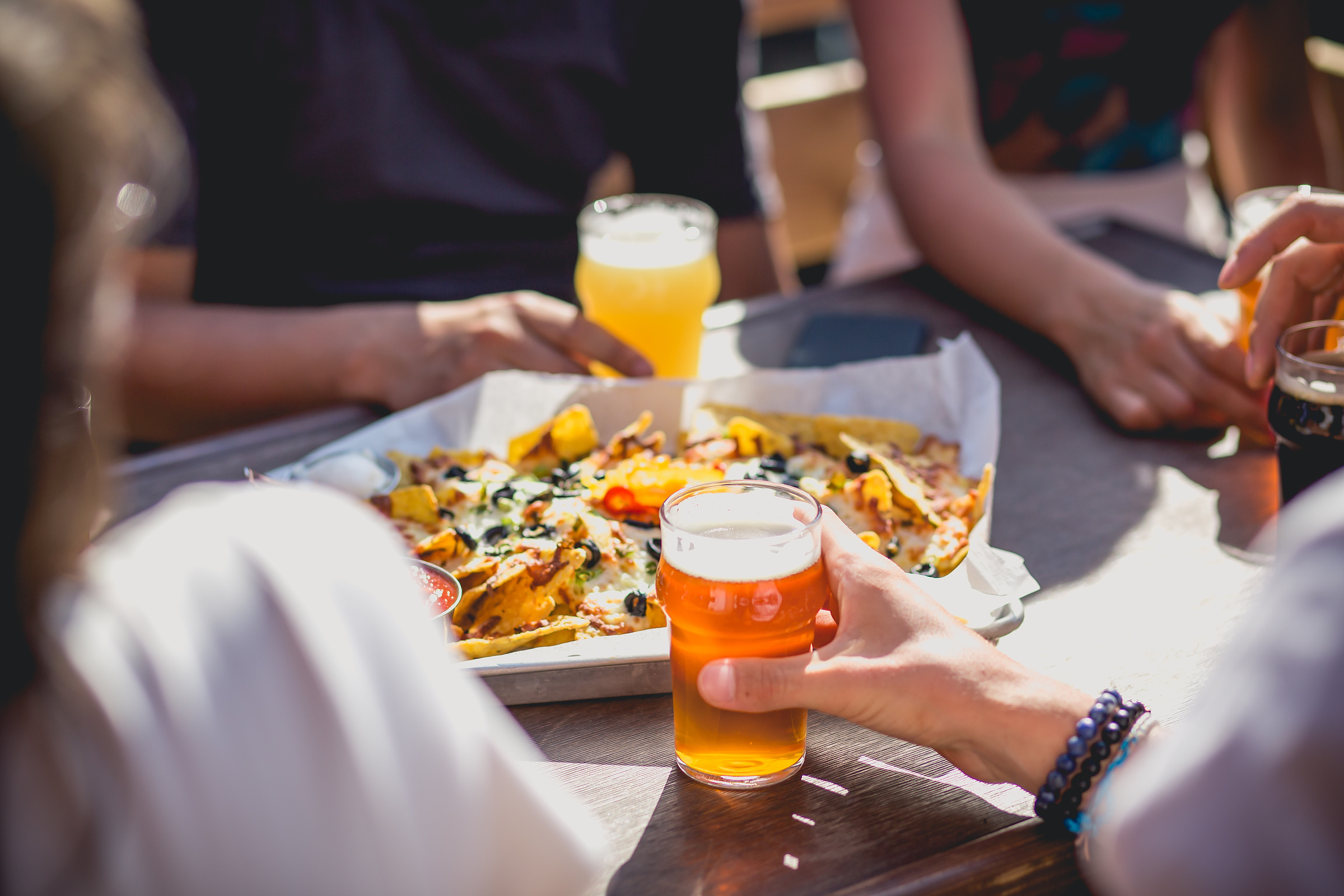 Nachos et bière de microbrasserie